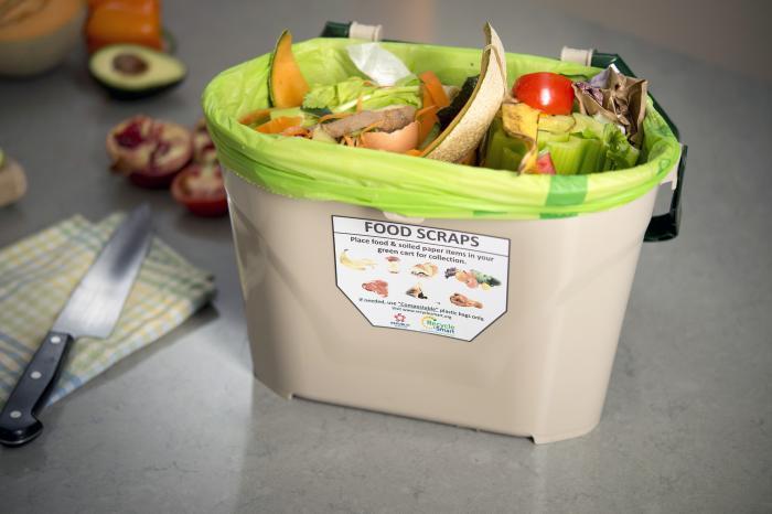 Food scraps container image